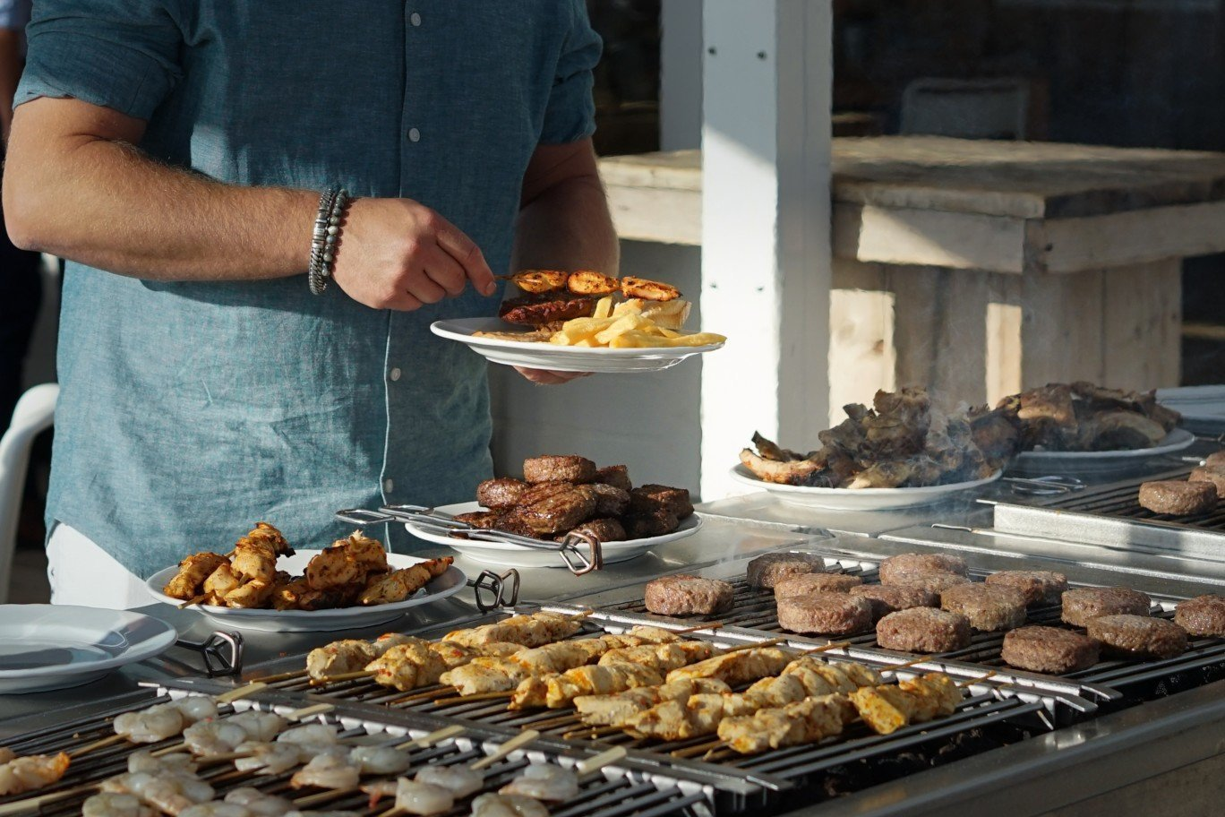 What's The Difference Between Grilling, Barbecue, and Smoking?
